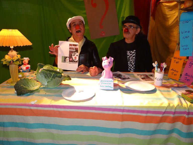 festival-clown-hors-piste-deux-clowns-bureau-finance