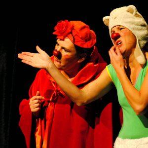 festival-clown-hors-pisteCie Y'a Quinquin - La vraie vie ve-ritable du Petit Chaperon Rouge - Le Loup (Re-duit)